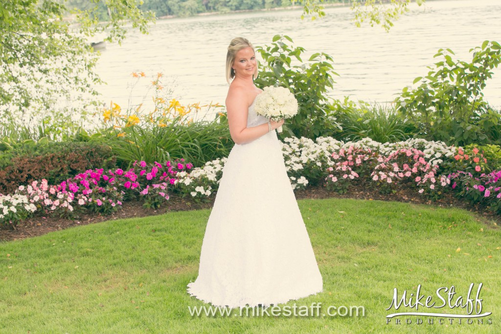 Bay Pointe Golf Club – West Bloomfield, MI Wedding Photo -