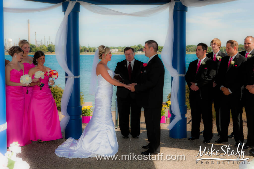 Alexanders – Maryville Wedding Photo -