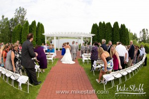 Greystone Golf Club – Romeo, MI Wedding Photo -