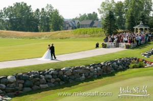 Boulder Pointe Golf Club and Banquet Center – Oxford, MI Wedding Photo -