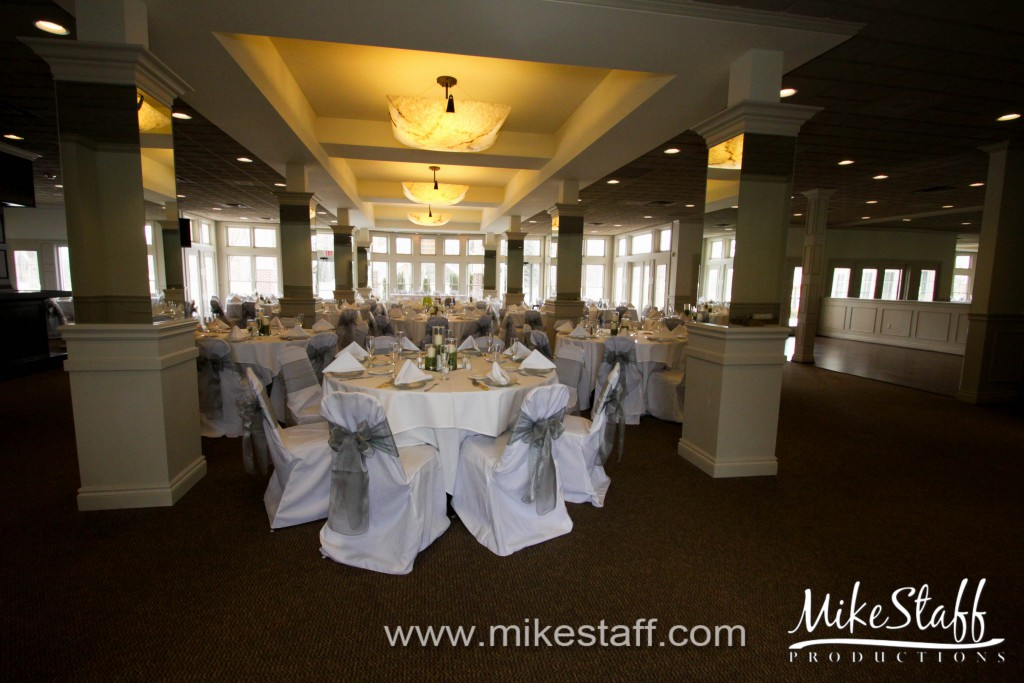 Brentwood Golf & Country Club, White Lake Wedding Photo -