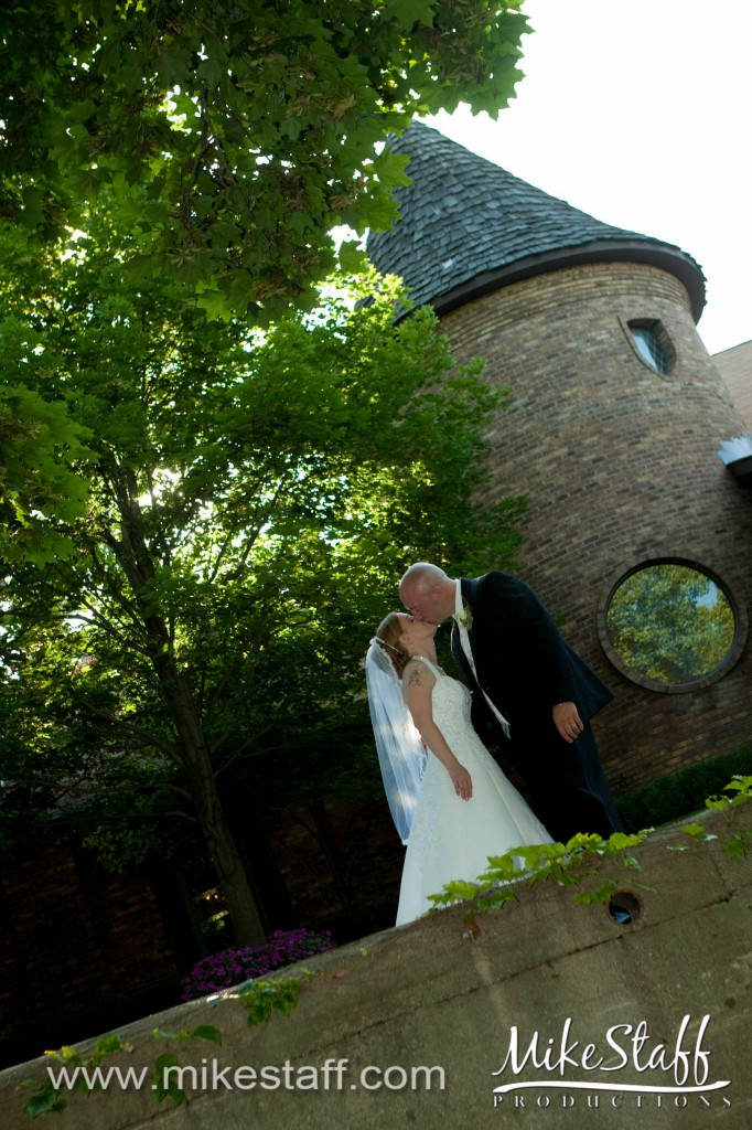 Indianwood Golf and Country Club – Lake Orion, MI Wedding Photo -