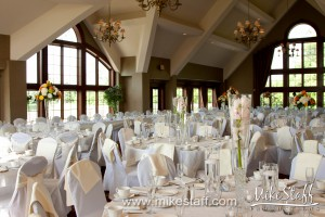 Glen Oaks Country Club – Farmington Hills, MI Wedding Photo -