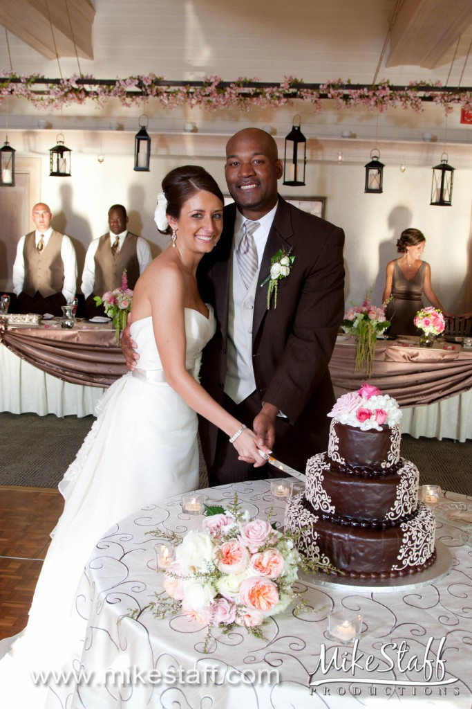 Great Oaks Country Club – Rochester, MI Wedding Photo -